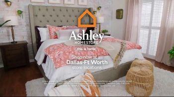 Ashley HomeStore Stars & Stripes Mattress Event TV Spot, 'Adjustable Sets & Ashley Cash' Song by Midnight Riot - Thumbnail 7