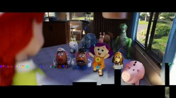 Clorox Toy Story 4: Family Vacation Sweepstakes TV Spot, 'Pack Your Bags' - Thumbnail 6