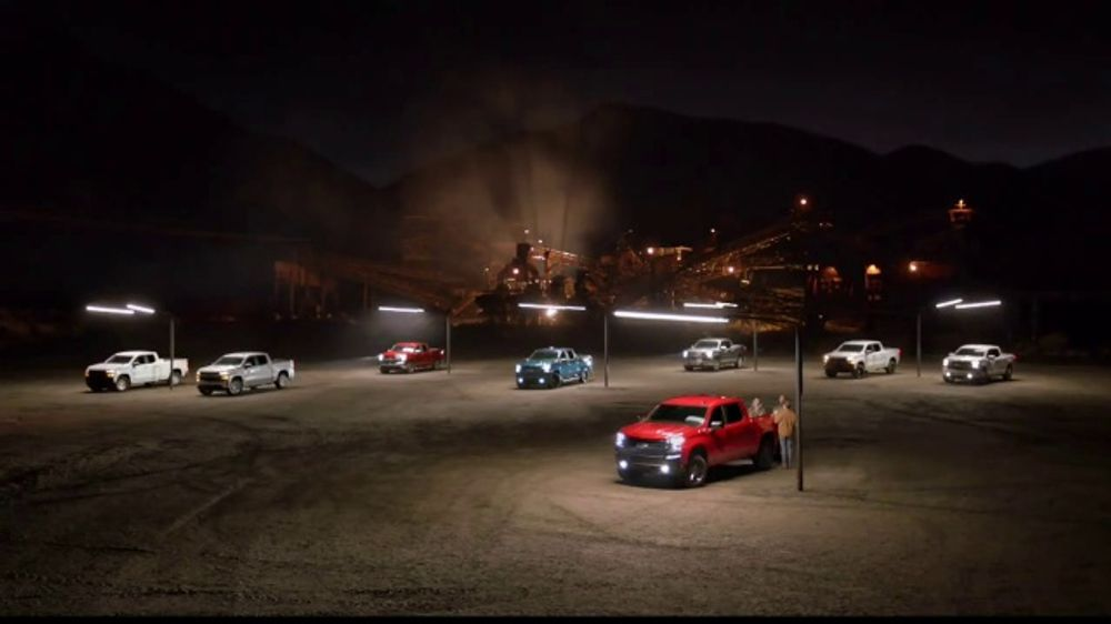2019 Chevrolet Silverado TV Commercial, 'Commerciallight' [T2] - Video