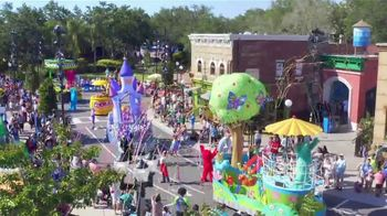 SeaWorld 4th of July Sale TV Spot, 'Feels Amazing: Two Parks' - Thumbnail 4