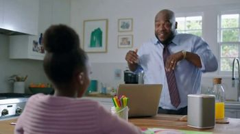 XFINITY xFi TV Spot, 'Like Nobody Is Watching: $79.99' Featuring Amy Poehler, Song by Salt-N-Pepa - Thumbnail 3