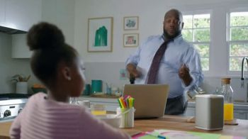 XFINITY xFi TV Spot, 'Like Nobody is Watching' Featuring Amy Poehler, Song by Salt-N-Pepa - Thumbnail 2
