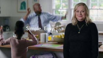 XFINITY xFi TV Spot, 'Like Nobody is Watching' Featuring Amy Poehler, Song by Salt-N-Pepa - Thumbnail 5