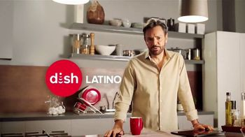 DishLATINO TV Spot, 'Más fútbol' con Eugenio Derbez, canción de Julieta Venegas [Spanish] - 1044 commercial airings