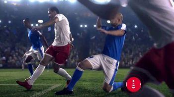 DishLATINO TV Spot, 'Más fútbol' con Eugenio Derbez, canción de Julieta Venegas [Spanish] - Thumbnail 5