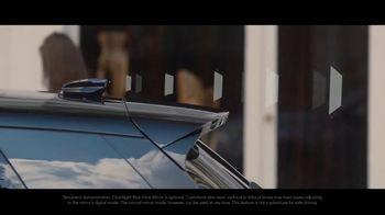 2020 Range Rover Evoque TV Spot, 'ClearSight Rear-View Mirror' [T2] - Thumbnail 6