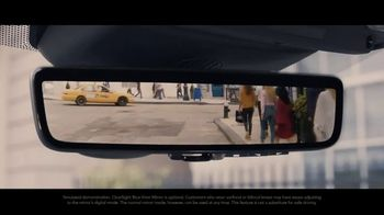 2020 Range Rover Evoque TV Spot, 'ClearSight Rear-View Mirror' [T2] - Thumbnail 7