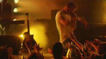 Taco Bell $5 Nacho Fries Box TV Spot, 'Persiguiendo oro' con Darren Criss [Spanish] - Thumbnail 1