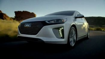 Hyundai 4th of July Sales Event TV Spot, 'Ioniq Blue: Keeps the Cost Low' [T2] - Thumbnail 5