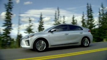 Hyundai 4th of July Sales Event TV Spot, 'Ioniq Blue: Keeps the Cost Low' [T2] - Thumbnail 7