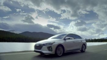 Hyundai 4th of July Sales Event TV Spot, 'Ioniq Blue: Keeps the Cost Low' [T2] - Thumbnail 8