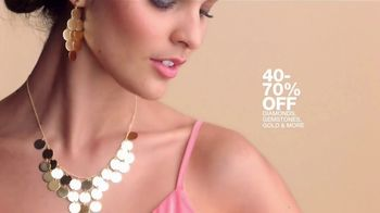 Macy's One Day Sale TV Spot, 'Deals of the Day: Fine Jewelry, Comforter Sets and Men's Sportswear' - Thumbnail 4