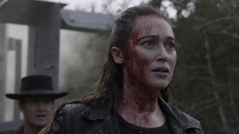 AMC Premiere TV Spot, 'Fear the Walking Dead' - Thumbnail 6