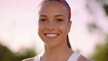 Neutrogena Oil-Free Acne Wash TV Spot, 'Fight Acne With Pink Power' Featuring Mallory Pugh - Thumbnail 8