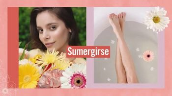 Vagisil Scentsitive Scents Bath Bombs TV Spot, 'Sumergirse en felicidad' [Spanish] - Thumbnail 2