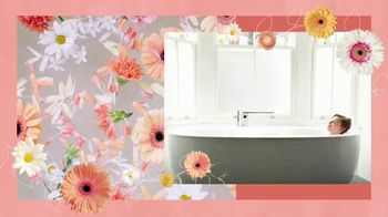 Vagisil Scentsitive Scents Bath Bombs TV Spot, 'Sumergirse en felicidad' [Spanish] - Thumbnail 7