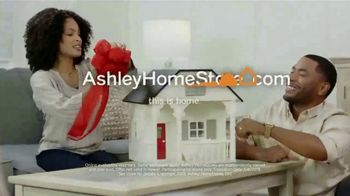 Ashley HomeStore Stars & Stripes Event TV Spot, 'Up to 30 Percent' Song by Midnight Riot - Thumbnail 6