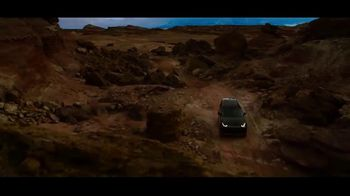 Land Rover Discovery TV Spot, 'Plotted a Course' [T1] - Thumbnail 7
