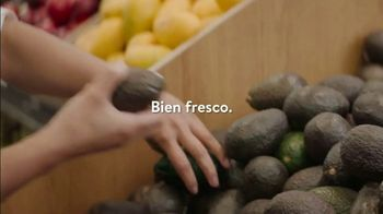 Walmart Grocery Pickup TV Spot, 'We Will Rock You' [Spanish] - Thumbnail 4