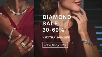 Macy's Columbus Day Sale TV Spot, 'Shoes, Jewelry and Coats' - Thumbnail 3
