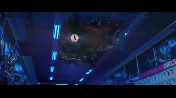 Party City TV Spot, 'Halloween: Party Cups, Hanging Props & Costumes' Song by Wilson Pickett - Thumbnail 4