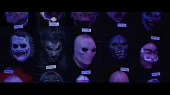 Party City TV Spot, 'Halloween: Party Cups, Hanging Props & Costumes' Song by Wilson Pickett - Thumbnail 5