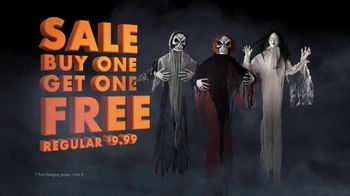 Party City TV Spot, 'Halloween: Party Cups, Hanging Props & Costumes' Song by Wilson Pickett - Thumbnail 8