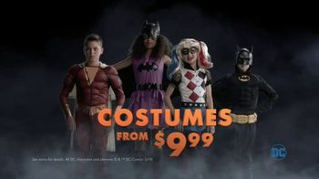 Party City TV Spot, 'Halloween: Party Cups, Hanging Props & Costumes' Song by Wilson Pickett - Thumbnail 9