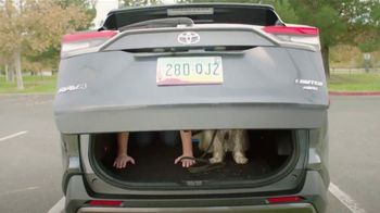 2019 Toyota RAV4 TV Spot, 'Room for the Doghouse' [T2] - Thumbnail 6