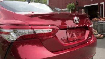 2019 Toyota Camry TV Spot, 'USA Road Trip: Cider Mill' Featuring Ethan Erickson, Danielle Demski [T2] - Thumbnail 6