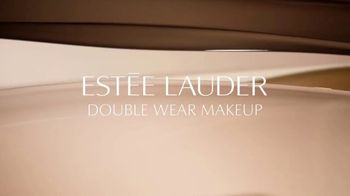 Estee Lauder Double Wear Stay-in-Place Makeup TV Spot, 'Wear Confidence' Song by Amber Mark - Thumbnail 1
