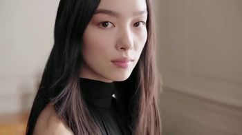 Estee Lauder Double Wear Stay-in-Place Makeup TV Spot, 'Wear Confidence' Song by Amber Mark - Thumbnail 8