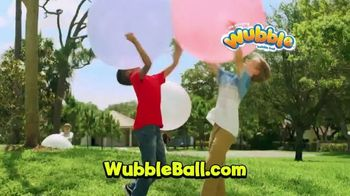 Wubble Bubble Ball Groovy Wubble TV Spot, 'Super Wubble' - Thumbnail 3