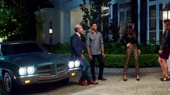 Stein Mart TV Spot, 'Driveway Fashion Show' - Thumbnail 6