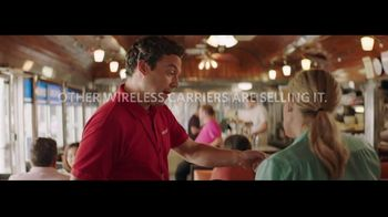 Spectrum Mobile TV Spot, 'They're Selling It, Don't Buy It: Sharing' - Thumbnail 8