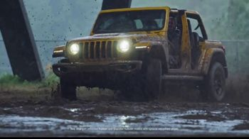 Jeep Gladiator TV Spot, 'Someone New to Play With' Song by Bobby Darin [T2]