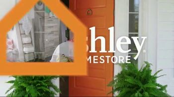 Ashley HomeStore Columbus Day Sale TV Spot, 'Save Up to 30 Percent + No Money Down Financing' - Thumbnail 2