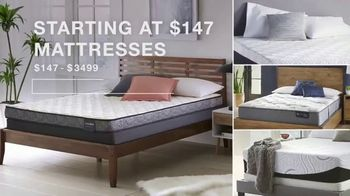 Macy's Columbus Day Sale TV Spot, 'Beds, Sectionals and Mattresses' - Thumbnail 9