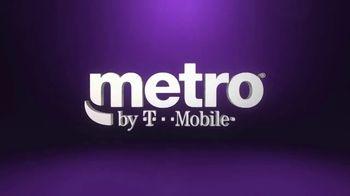 Metro by T-Mobile TV Spot, 'Dos teléfonos gratis' [Spanish] - Thumbnail 1