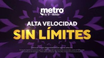 Metro by T-Mobile TV Spot, 'Dos teléfonos gratis' [Spanish] - Thumbnail 5