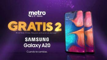 Metro by T-Mobile TV Spot, 'Dos teléfonos gratis' [Spanish] - Thumbnail 6