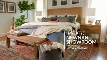 Havertys Fall Savings Event TV Spot, 'Life's Touchdowns: Newnan' - Thumbnail 9