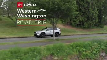 2019 Toyota RAV4 TV Spot, 'Road Trip: Museum of Glass' Ft Danielle Demski, Ethan Erickson [T2] - Thumbnail 3