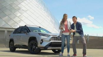 2019 Toyota RAV4 TV Spot, 'Road Trip: Museum of Glass' Ft Danielle Demski, Ethan Erickson [T2] - Thumbnail 8