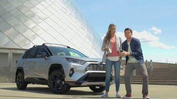 2019 Toyota RAV4 TV Spot, 'Road Trip: Museum of Glass' Ft Danielle Demski, Ethan Erickson [T2] - 209 commercial airings