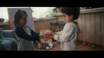Clorox Disinfecting Wipes TV Spot, 'Fight Back: Basketball' Song by Donnie Daydream - Thumbnail 1