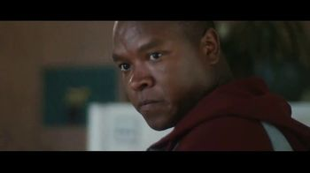 Clorox Disinfecting Wipes TV Spot, 'Fight Back: Basketball' Song by Donnie Daydream - Thumbnail 3