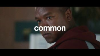 Clorox Disinfecting Wipes TV Spot, 'Fight Back: Basketball' Song by Donnie Daydream - Thumbnail 4