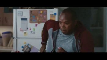 Clorox Disinfecting Wipes TV Spot, 'Fight Back: Basketball' Song by Donnie Daydream - Thumbnail 6