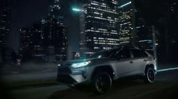 Toyota RAV4 Hybrid TV Spot, 'Cousins' Song by Plastic Bertrand [T1] - Thumbnail 6